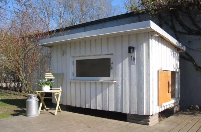 Гостевой домик в старой собачьей будке (5 фото)