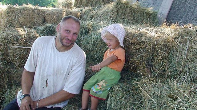 Опаснейший преступник Европы на протяжении 10 лет жил в Свердловской области жизнью обычного фермера (9 фото)