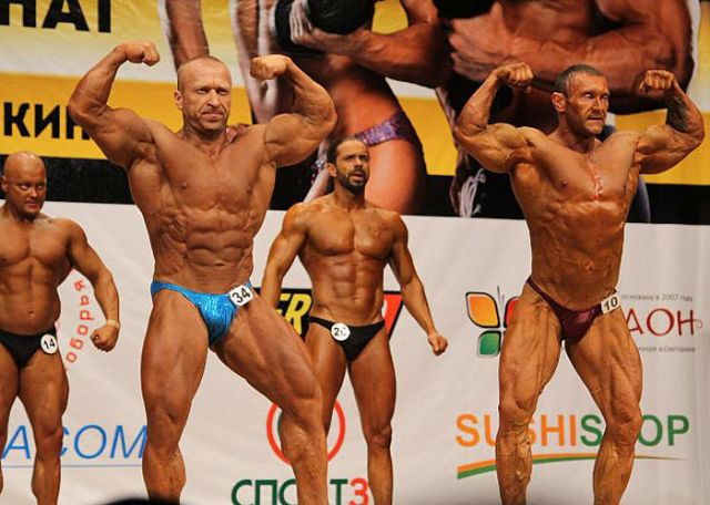 Священник Максим Пастухов стал призером турнира по бодибилдингу в Старом Осколе (7 фото)