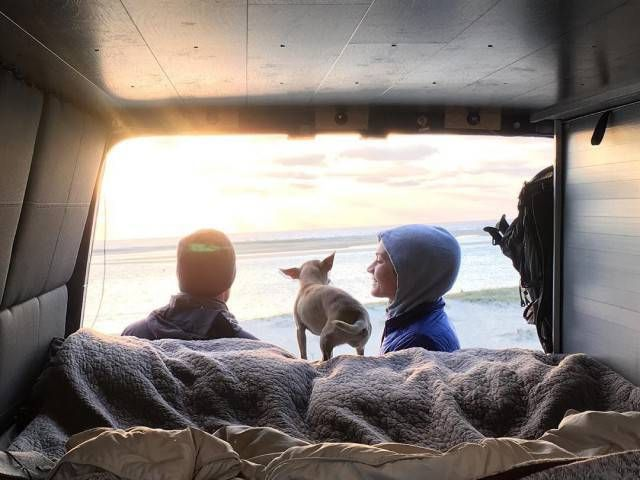 Молодожены - путешественники (29 фото)