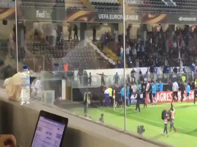 Футболист «Марселя» Патрис Эвра получил красную карточку до начала матча
