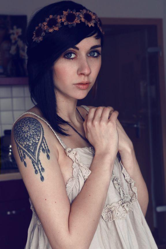 Милые симпатичные девушки (35 фото)