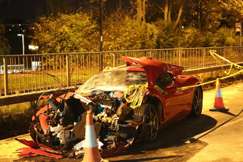 картинки разбившихся машин успел отправить