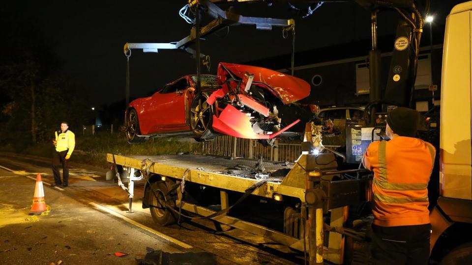 В Великобритании разбили суперкар Ferrari 458 Italia (8 фото)