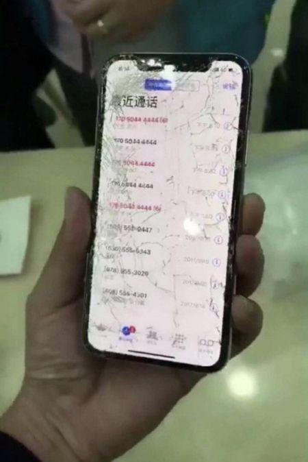 Новые смартфоны iPhone Х оказались невероятно хрупкими (3 фото)