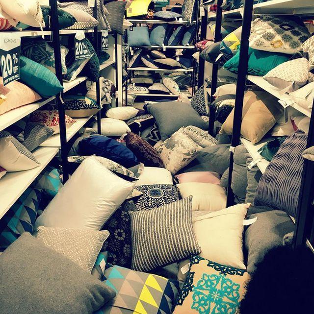 Финальная распродажа и скидки стали причиной хаоса (10 фото)
