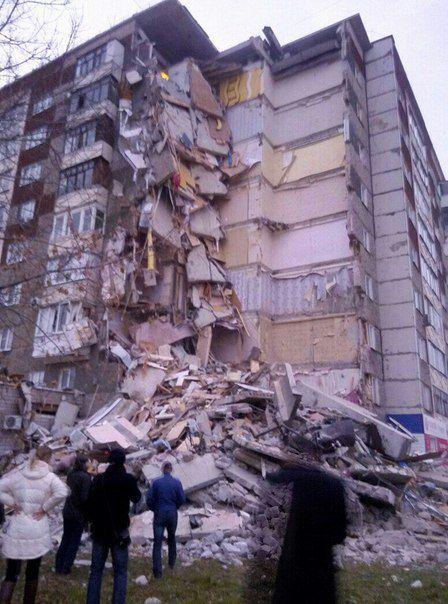 В Ижевске рухнул подъезд жилого дома