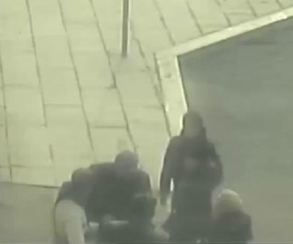 Студента, который хотел купить iPhone X, избили и оставили без денег