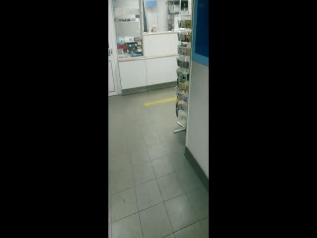 В Нижнем Новгороде сотрудница почты брызнула в клиентов газовым баллончиком