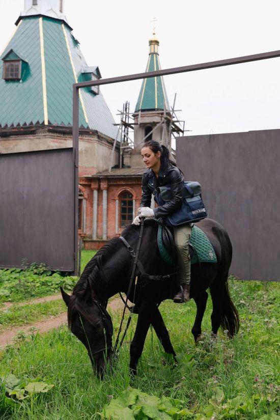 Сотрудница «Почты России» Мария Рубцова стала лицом AliExpress (6 фото)