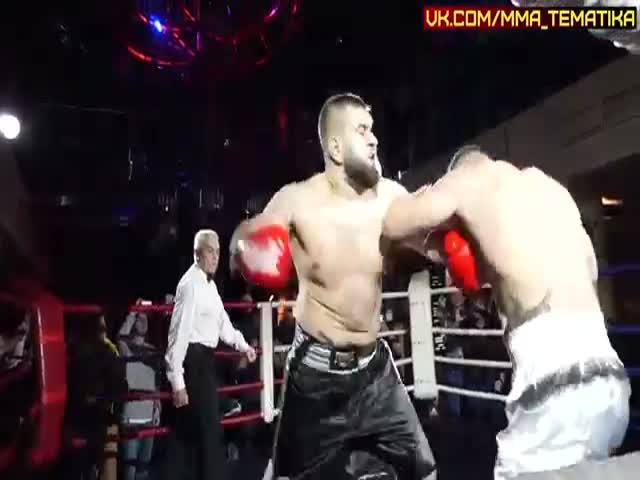 Дебошир Александр Орлов (Колобок) одержал победу над журналистом Романом Четиным