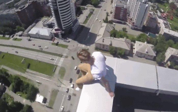 Люди пытаются преодолеть гравитацию (16 гифок)