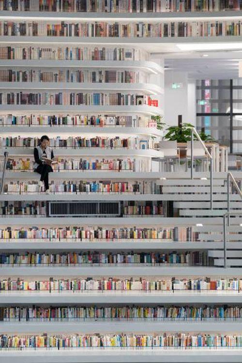 Китайская библиотека «Глаз Бинхая» (12 фото)
