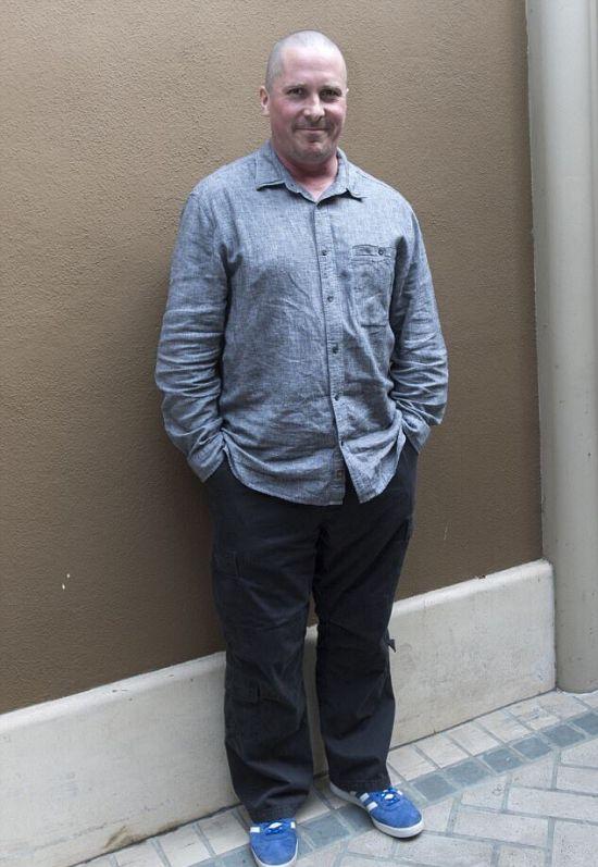 Кристиан Бэйл набрал много лишних килограмм для роли Дика Чейни в фильме «Недруги» (4 фото)