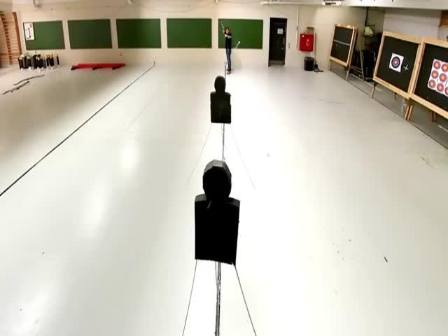Удивительная стрельба из лука в исполнении Ларса Андерсена