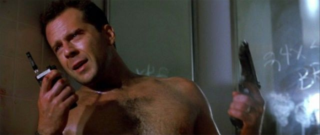 Как актер Брюс Уиллис стал знаменитым Крепким орешком (5 фото)