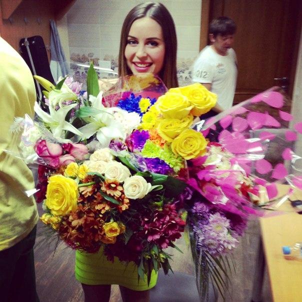 Юлия Михалкова из шоу «Уральские пельмени» (27 фото)