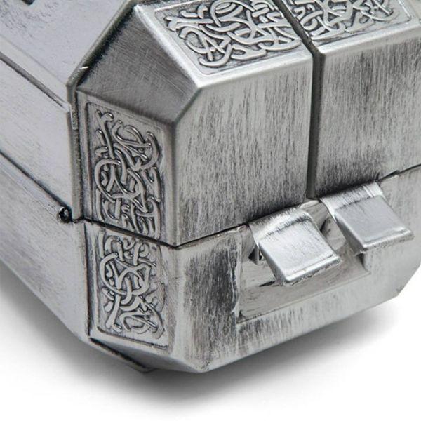 Самый необычный молот Тора Мьёльнир (5 фото)