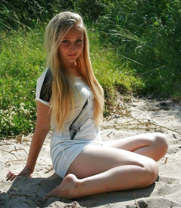 Привлекательные девушки (34 фото)