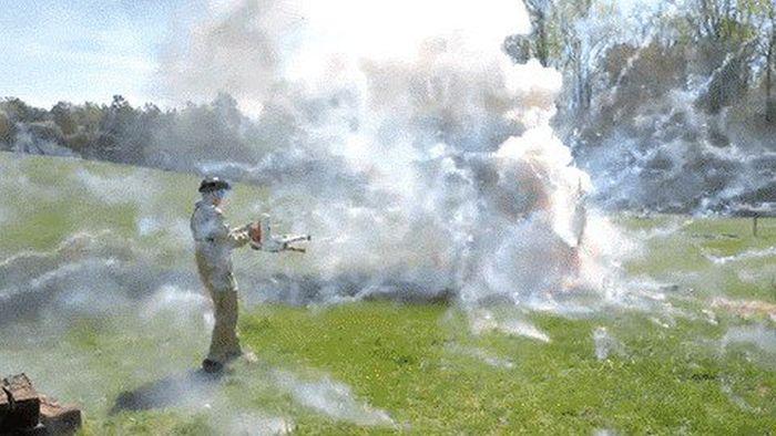Огнеметы в действии (20 гифок)