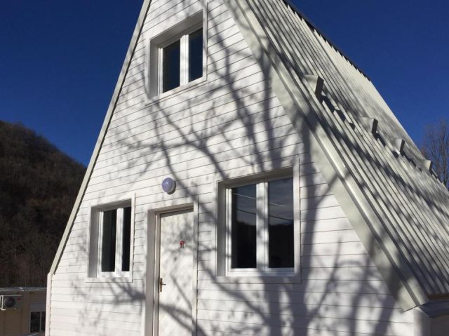 Создан складной дом, который можно установить всего за 6 - 7 часов (8 фото)