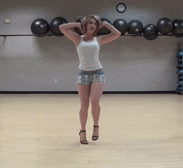 Любопытные танцы (15 гифок)