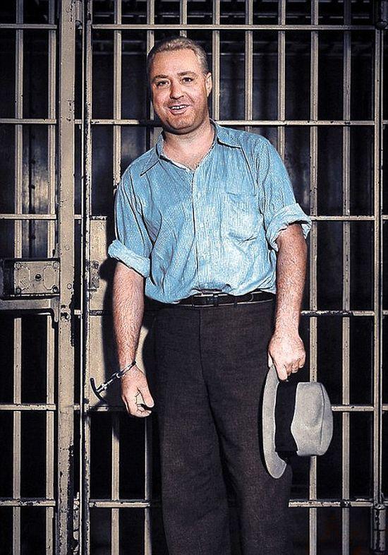 Колоризированные снимки американских гангстеров (15 фото)