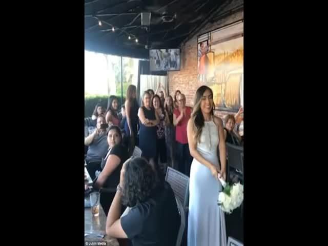 Не самый удачный бросок букета на свадьбе