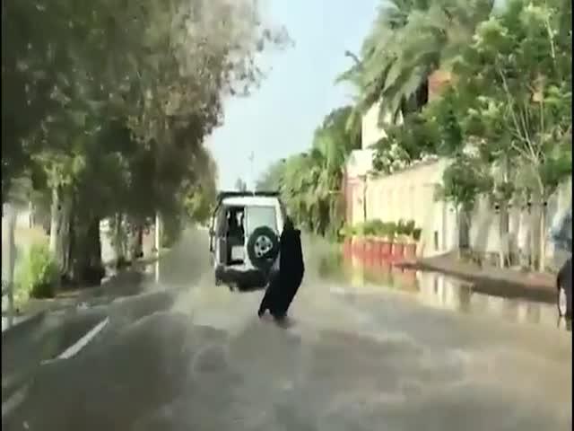 Отличное развлечение в затопленном городе