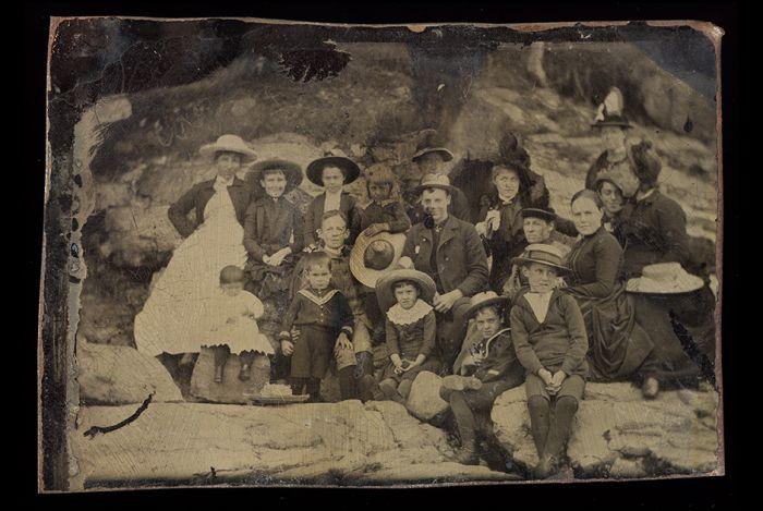Исторические фотографии на металлических пластинах (27 фото)