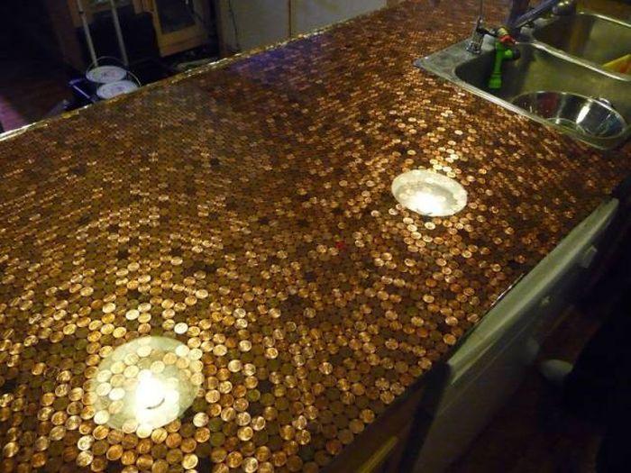 Фигуры и инсталляции из монет (22 фото)