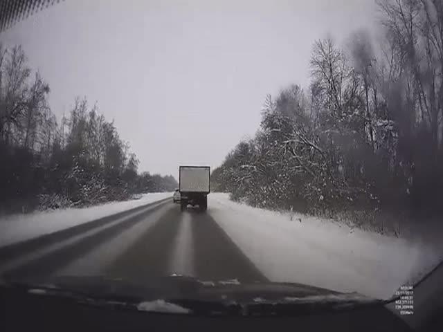 Водитель чудом избежал ДТП