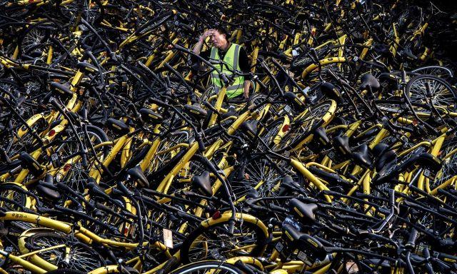 Гора велосипедов под Шанхаем (3 фото)