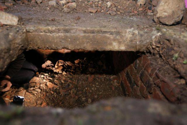 Британка нашла бункер Второй мировой войны на заднем дворе своего дома (5 фото)