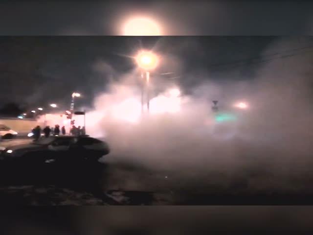 Восточный округ Москвы затопило горячей водой из-за прорыва теплотрассы