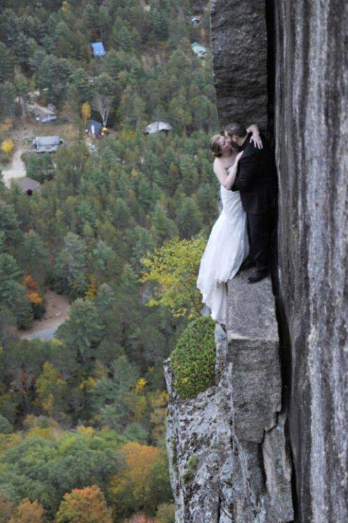 Экстремальная свадебная фотосессия (5 фото)
