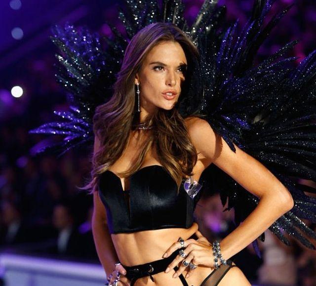 Самые высокооплачиваемые модели Victoria's Secret (18 фото)