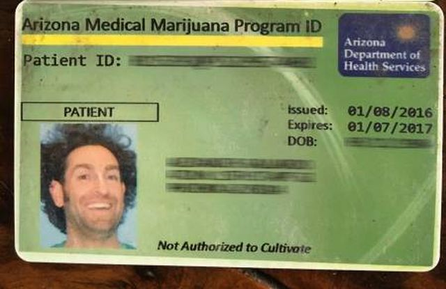 Ничего необычного, просто разрешение на лечение марихуаной (2 фото)