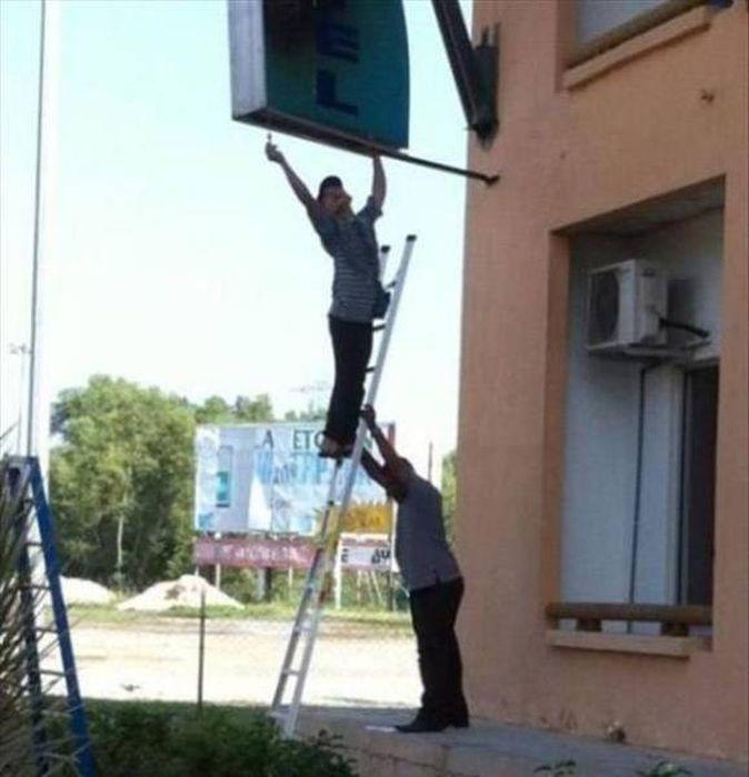 Люди, которым плевать на технику безопасности (46 фото)