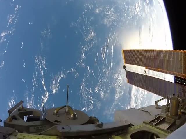 Работа в открытом космосе глазами космонавта