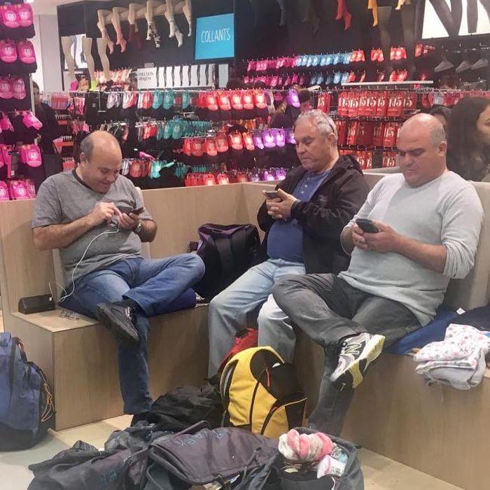 Мужчины и шопинг (31 фото)
