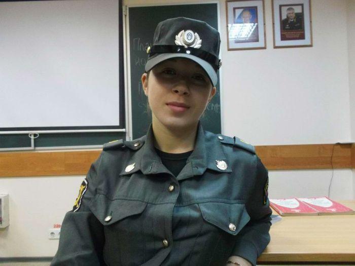 Девушки на страже порядка (33 фото)