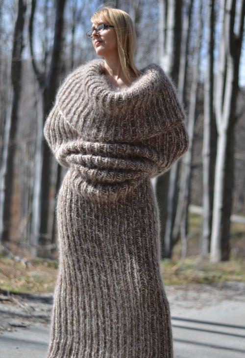 Зимний свитер для настоящих интровертов (3 фото)