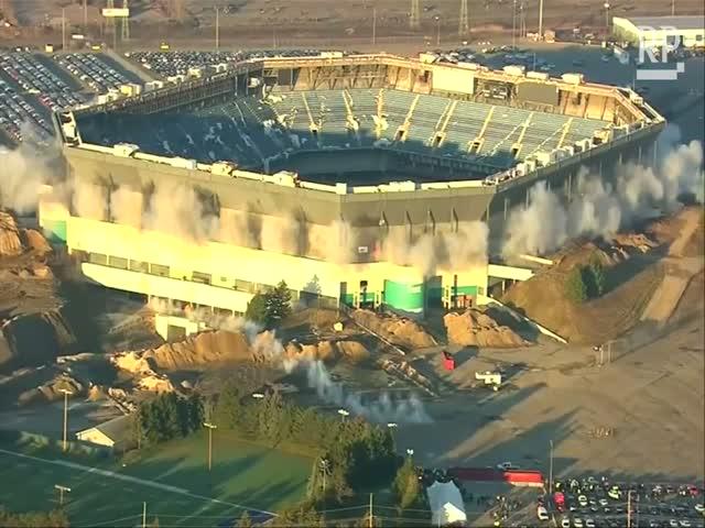 Американский стадион устоял после взрыва