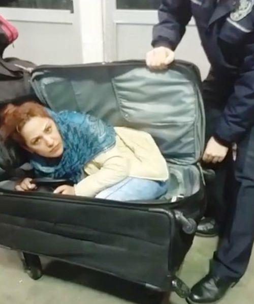 Грузинка попыталась попасть в Турцию в чемодане (2 фото)