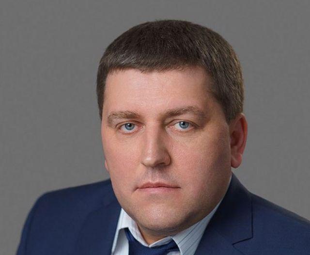 Директор самарского филиала «Почты России» заставлял подчиненных строить ему дачу (5 фото + видео)
