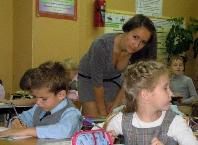 Симпатичные учительницы (17 фото)