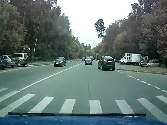 Мгновенная карма настигла спешащего водителя BMW