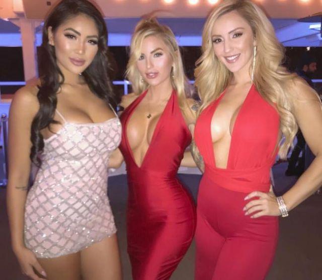 Девушки, которым очень идут платья (45 фото)