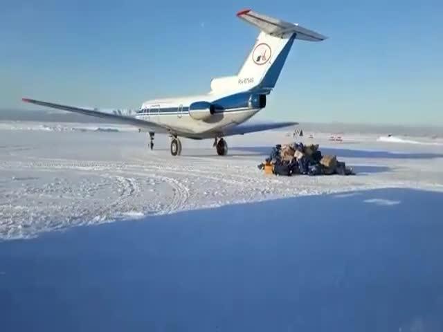 Самолет сдул посылки «Почты России»